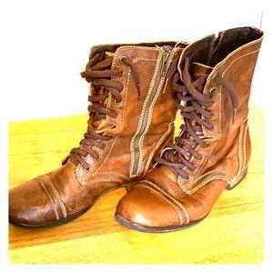 Steve Madden brown bomber boots 9